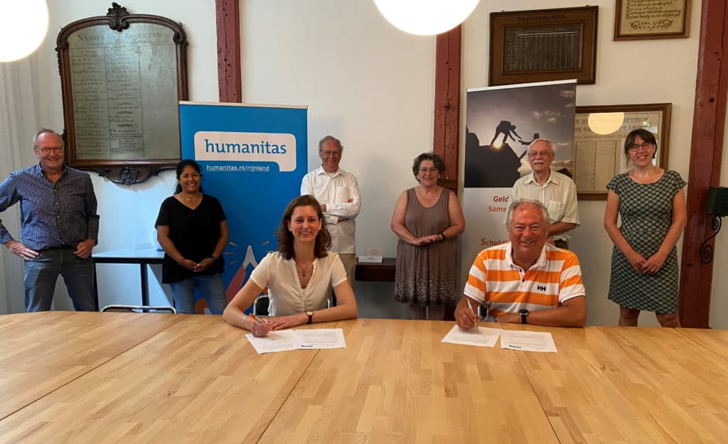 Ondertekening samenwerkingsovereenkomst Humanitas en SchuldHulpMaatje Leiden